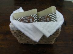 2 Bar Gift Basket