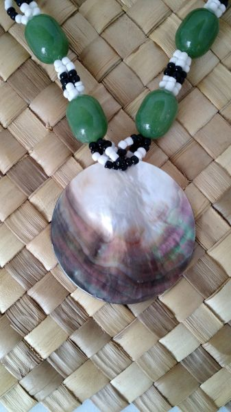Shell Neckalce: MOP with green beads