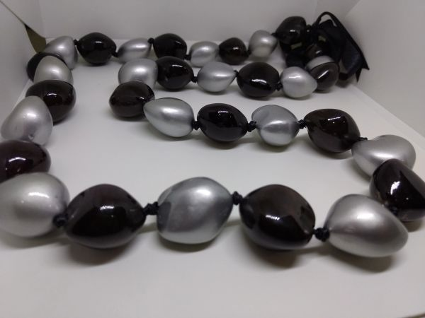 Kukuinut Lei Black and Silver