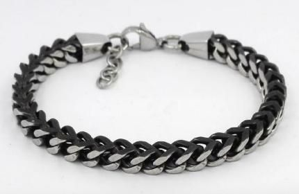 Stainless steel box chain bracelet with clasp closure