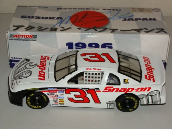 1996 Action 1/24 #31 SNAP ON Japan Race Chevy MC Mike Skinner CWC AUTOGRAPHED