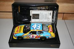 2007 Elite 1/24 #43 Cheerios Betty Crocker Dodge Avenger CoT Bobby Labonte CWC