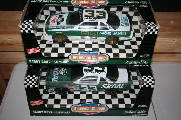 1995 Ertl 1/18 #33 Skoal Bandit & Bandit's Last Ride 1994 Chevy Lumina Harry Gant 2 Car Set Both AUTOGRAPHED