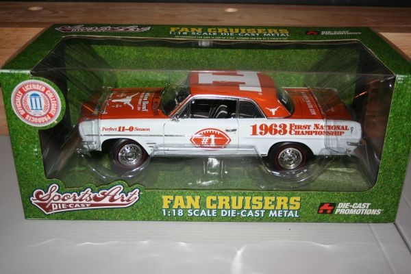 2006 Ertl DCP 1/18 Texas Longhorns Football 1963 First National Championship Pontiac Tempest CWC