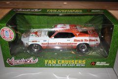 2006 Ertl DCP 1/18 Texas Longhorns Football 1970 National Championship Ford Boss 302 Mustang CWC
