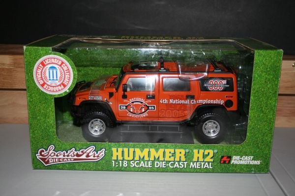 2006 Ertl DCP 1/18 Texas Longhorns Football 2005 4th National Championship Hummer H2 CWC