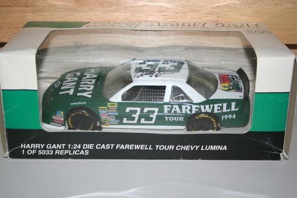 1994 Revell 1/24 #33 Harry Gant Farewell Tour Chevy Lumina CWC AUTOGRAPHED