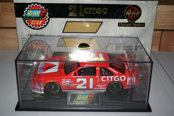 1997 Revell 1/24 #21 Citgo Ford Tbird Michael Waltrip CWC