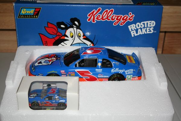 1997 Revell 1/64 & 1/24 #5 Kellogg's Frosted Flakes TONY Chevy MC Terry Labonte 2-Car Bank Set