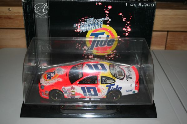 1999 RC Authentics 1/24 #10 Tide Detergent w/Peroxide Ford Taurus Ricky Rudd CWC