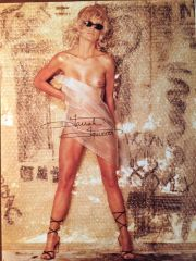 FARRAH FAWCETT SIGNED PHOTO SEXY NUDE AMERICAN MODEL/ACTRESS IN BUBBLE WRAP