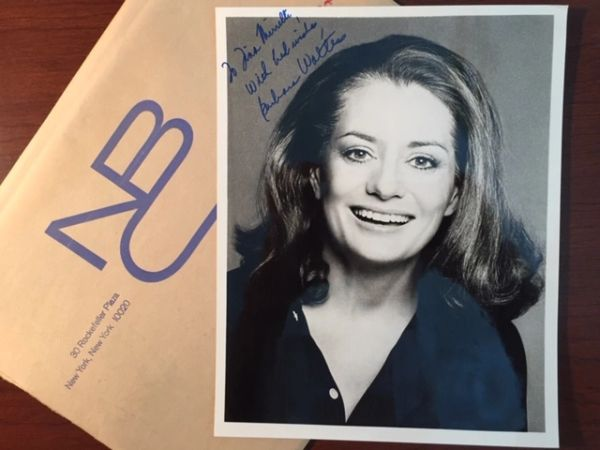BARBARA WALTERS SIGNED PHOTO AMERICAN BROADCAST JOURNALIST