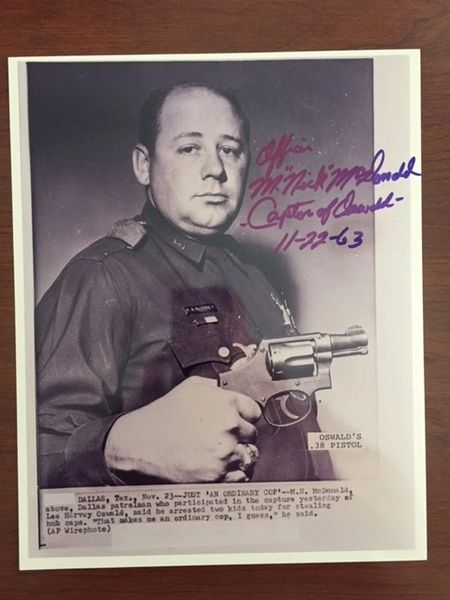 MAURICE NICK MCDONALD SIGNED PHOTO, LEE HARVEY OSWALD'S GUN, KENNEDY