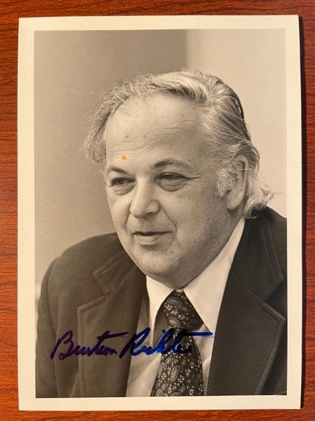 BURTON RICHTER SIGNED PHOTO 1976 NOBEL PRIZE IN PHYSICS, ELECTRON ACCELERATORS