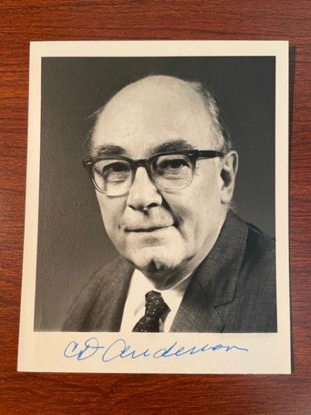 CARL DAVID ANDERSON SIGNED PHOTO, 1936 NOBEL PRIZE IN PHYSICS