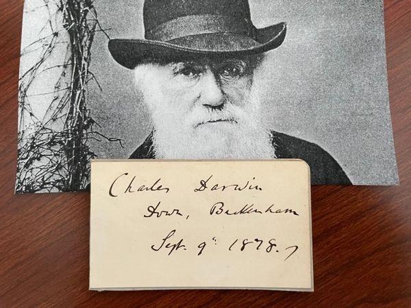 CHARLES DARWIN SIGNED CARD, NATURALIST, BIOLOGIST, EVOLUTION SCIENCE, AUTHOR