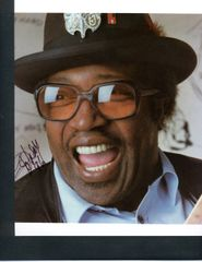 BO DIDLEY SIGNED PHOTOGRAPH, 8 X 10, COLOR, PORTRAIT BLUES LEGEND