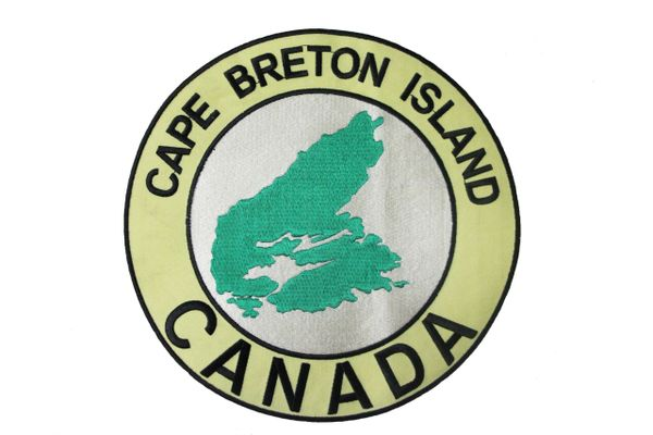"""CAPE BRETON ISLAND CANADA EMBROIDERED IRON ON PATCH CREST BADGE .. SIZE : XX-LARGE , 9"""" INCH ROUND.. NEW"""