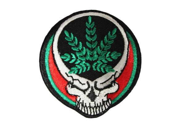 SKULL CANNABIS MARIJUANA WEED LEAF IRON ON PATCH CREST BADGE.. NEW