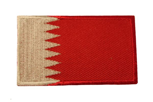 BAHRAIN COUNTRY FLAG IRON ON PATCH CREST BADGE ... Size : 1.5 X 2.5 INCH