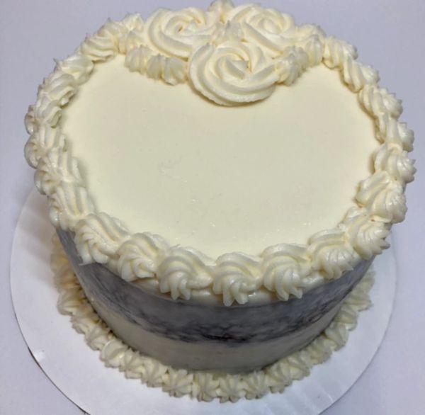 *KETO VANILLA LAYER CAKE (BASIC CAKE W/BUTTER CREAM FROSTING) 6 inches