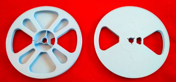 TayloReel Super 8mm 400 ft. Blue Plastic Movie Reel (New Design for Better Balance)