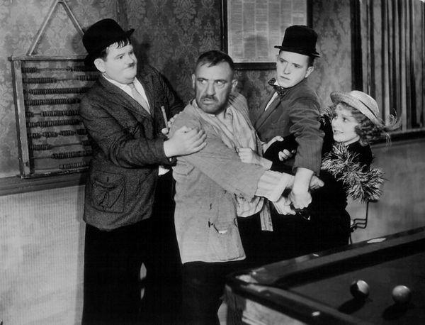 Any Old Port starring Laurel & Hardy (Super 8mm Magnetic Sound)