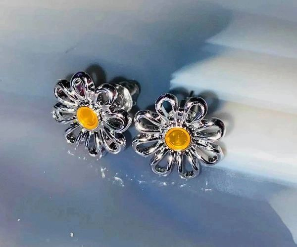 Love, Youth, Allure and Beauty Spell - 3X Cast On Earrings! Beautiful Flower Citrine Colored Stone