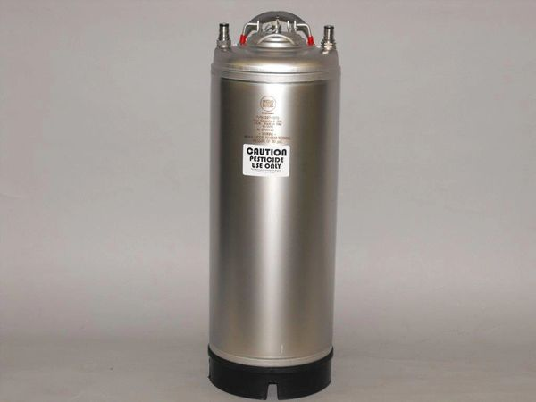 10710A -10gallon spray can with beverage connections