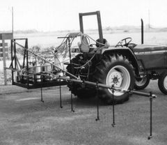 TMOS-10-P -Three point sprayer with pivoting boom and 10 treatment