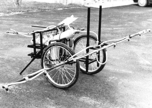 EXD-203S -Dual wheel push type sprayer