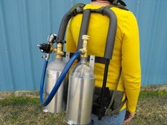 315JR-282 - backpack w/ 2ltr bottle and 2.5lb CO2 cylinder brackets