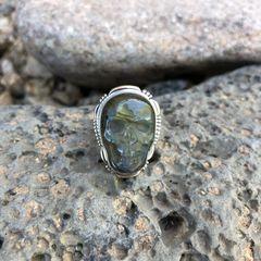 Unisex Labradorite Skull Ring
