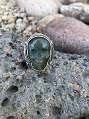 Men's Big & Bold Labradorite Skull Ring