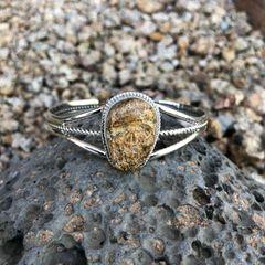 Sandstone Jasper Skull Twist Trim Bracelet