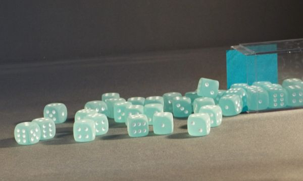 Chessex Frosted 12mm d6 Dice Block