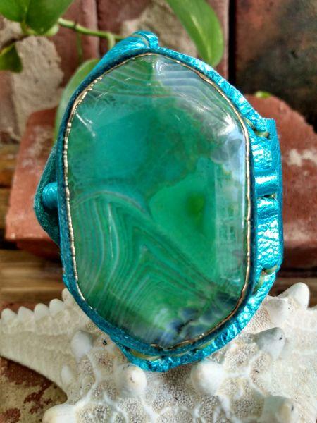 Turquiose Metallic Leather with Green Agate Stone
