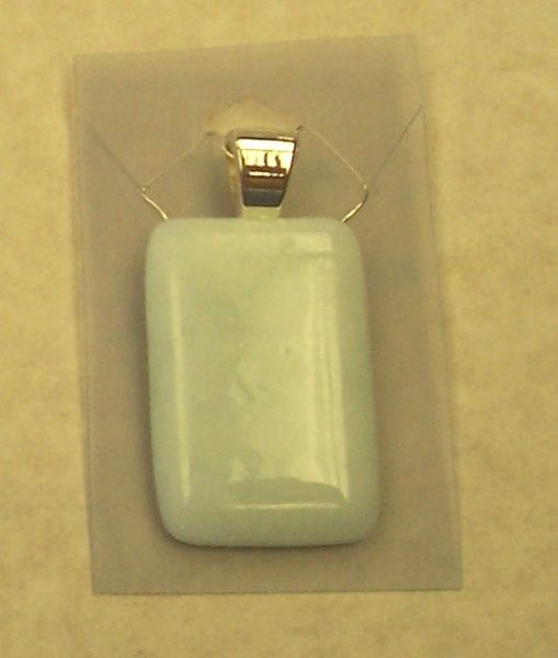 White necklace, rectangle