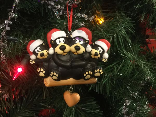 BLACK BEAR FAMILY OF 4 PERSONALIZED ORNAMENT