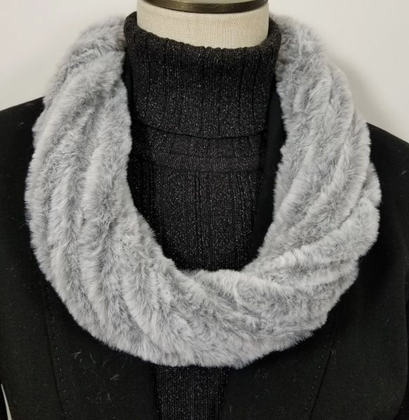 Light Gray Soft Faux Fur Necklace Infinity Scarf Magnetic Clasp Accessory