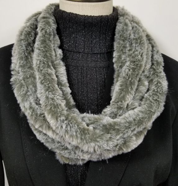 Solid Light Gray Soft Faux Fur Necklace Infinity Scarf Magnetic Clasp