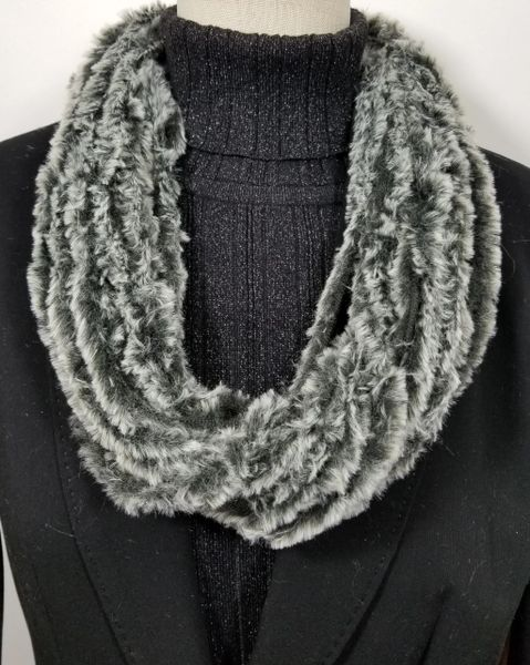 Silver Tipped Black Soft Faux Fur Necklace Infinity Scarf Magnetic Clasp Accessory