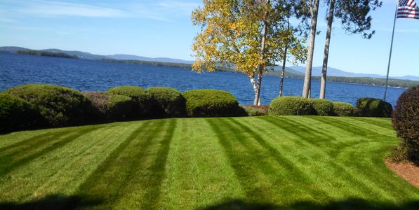 Landscape maintenance, mowing, weekly mowing, hydroseed, garden service, pruning