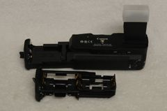 GENUINE CANON BATTERY GRIP BG-E8 FOR CANON T2i, T3i, T4i, T5i