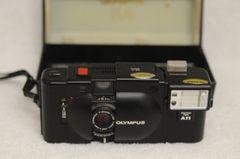 OLYMPUS XA 35mm COMPACT CAMERA w/OLYMPUS A-11 FLASH, MANUAL, BOX