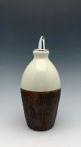 "7"" Oil / Syrup Jar with spout. woodgrain"