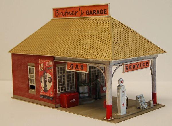 Britner's Garage - O Scale Craftsman KIT