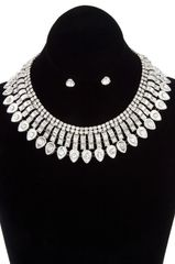 Glam Vanessa Collar with Stud Earrings
