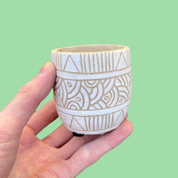 Small Ceramic Pot (6cm diameter)