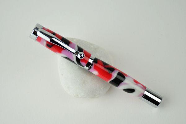 Connoisseur non postable fountain pen, pink camo, chrome